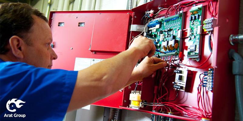 نصب و راهاندازی سیستمهای اعلام حریق در مرکز اعلام حریق آرات