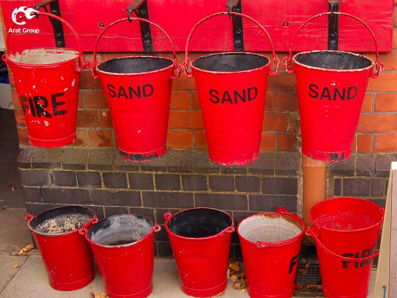 تجهیزات آتش نشانی - سطلهای آتشنشانی