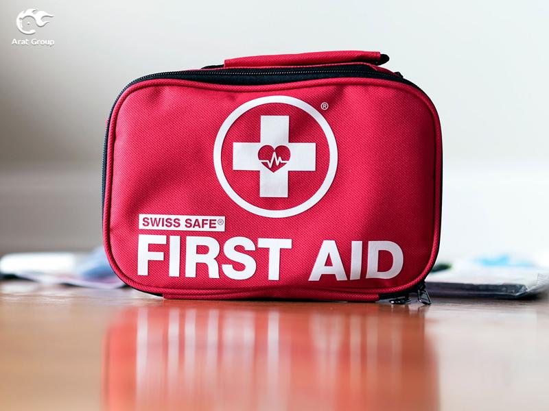 تجهیزات آتش نشانی – جعبهی کمکهای اولیه